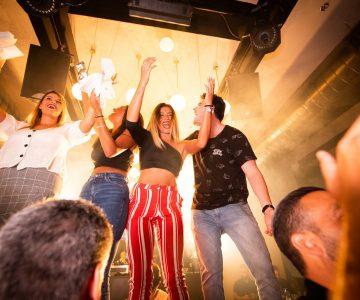 people dancing 1449794 1